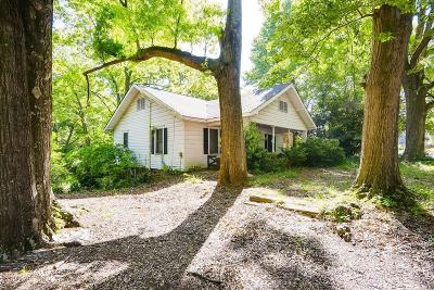 Single Family Home For Sale: 632 Kennesaw Avenue NW