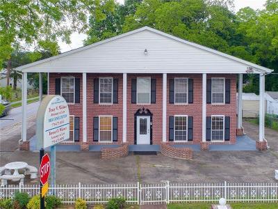 Jonesboro Commercial For Sale: 226 N McDonough Street