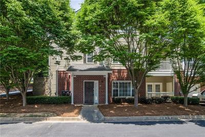 Alpharetta Condo/Townhouse For Sale: 6020 Woodland Lane