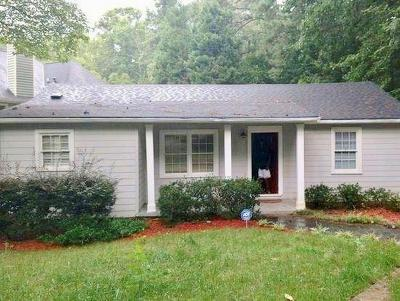 Northlake Single Family Home For Sale: 3154 Briarcliff Road