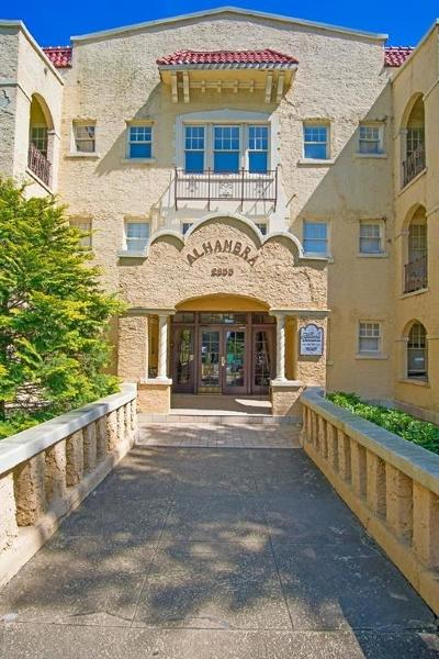 Garden Hills Condo/Townhouse For Sale: 2855 Peachtree Road NE #316