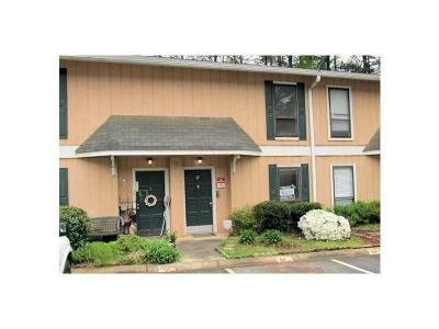 Peachtree Corners, Norcross Condo/Townhouse For Sale: 2340 Beaver Ruin Road #87