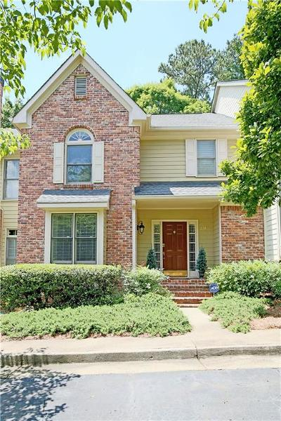 Roswell Condo/Townhouse For Sale: 238 Riverview Trail