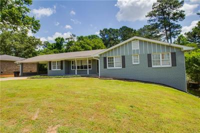 Roswell Single Family Home For Sale: 1090 Old Forge Drive