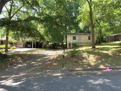 Atlanta Single Family Home For Sale: 2696 George Street NW