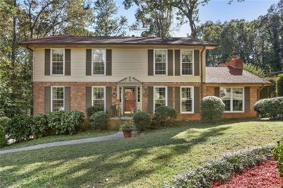 Marietta Single Family Home For Sale: 3400 Camelot Drive