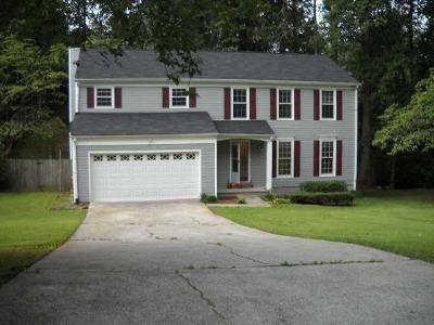 Marietta Single Family Home For Sale: 4500 Woodlawn Lake Drive
