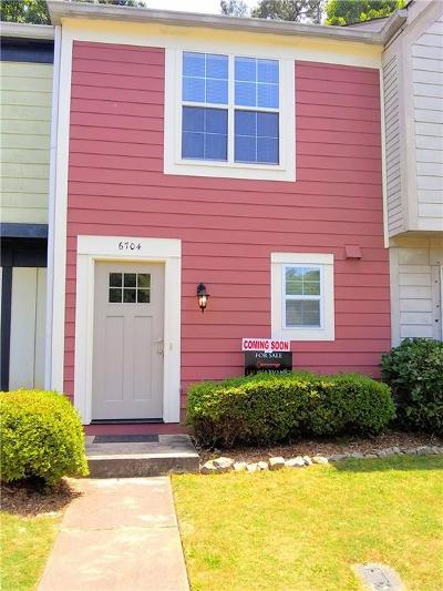 Peachtree Corners, Norcross Condo/Townhouse For Sale: 6704 Colchester Place
