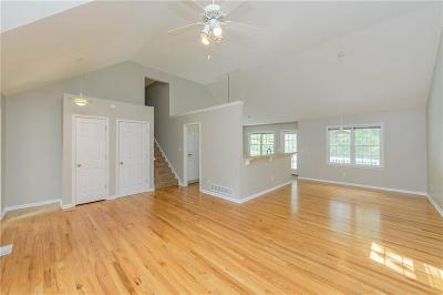 Barrow County, Forsyth County, Gwinnett County, Hall County, Newton County, Walton County Single Family Home For Sale: 7830 Wynfield Circle