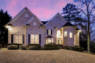 Roswell Single Family Home For Sale: 125 Lynwood Drive