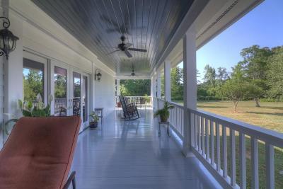 Monroe Single Family Home For Sale: 688 Pleasant Valley Road