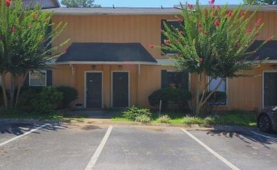 Peachtree Corners, Norcross Condo/Townhouse For Sale: 2340 Beaver Ruin Road #4