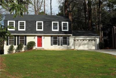 Roswell Single Family Home For Sale: 130 Hillside Lane