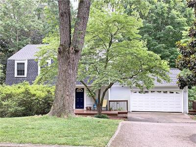 Roswell Single Family Home For Sale: 635 Sailwind Drive