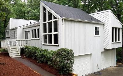 Smyrna Single Family Home For Sale: 1850 Cedar Cliff Drive SE