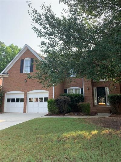 Suwanee Single Family Home For Sale: 10915 Regal Forest Drive