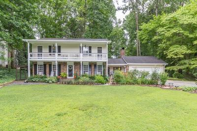 Sandy Springs Single Family Home For Sale: 650 Edgewater Trail