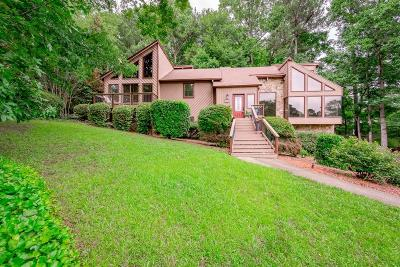 Roswell Single Family Home For Sale: 2759 Long Lake Drive NE