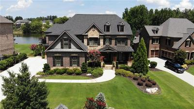 Forsyth County Single Family Home For Sale: 2585 Manor Creek Court