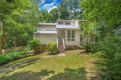 Marietta Single Family Home For Sale: 2573 Chimney Springs Drive