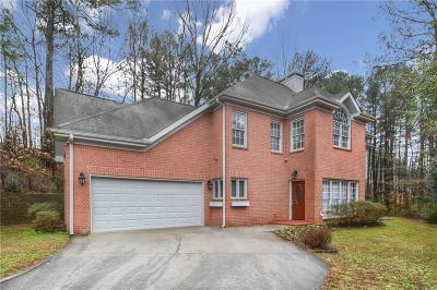 Northlake Single Family Home For Sale: 3123 Kings Arms Court NE