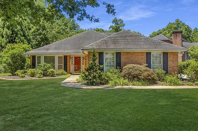 Alpharetta Single Family Home For Sale: 450 N Farm Drive