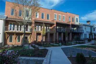 Marietta Condo/Townhouse For Sale: 212 Easy Pines Way NE #42