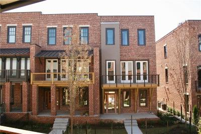 Marietta Condo/Townhouse For Sale: 208 Easy Pines Way NE #43