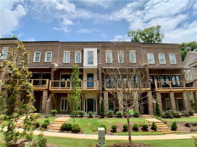 Marietta Condo/Townhouse For Sale: 204 Easy Pines Way NE #44