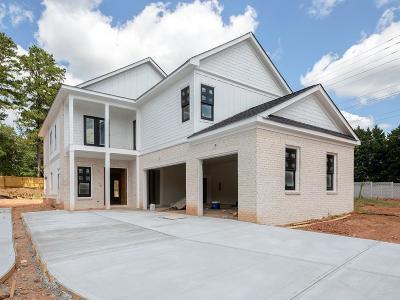 Marietta Single Family Home For Sale: 906 Edmond Oaks Drive