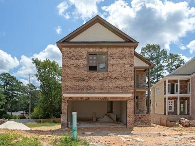 Marietta Single Family Home For Sale: 913 Edmond Oaks Drive