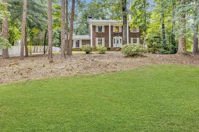 Roswell Single Family Home For Sale: 375 Alpine Drive