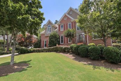 Roswell Single Family Home For Sale: 320 Thorndale Court