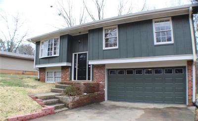 Flowery Branch Single Family Home For Sale: 6244 Laurel Wood Trail