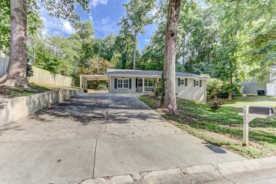 Smyrna Single Family Home For Sale: 5121 Thistle Road SE
