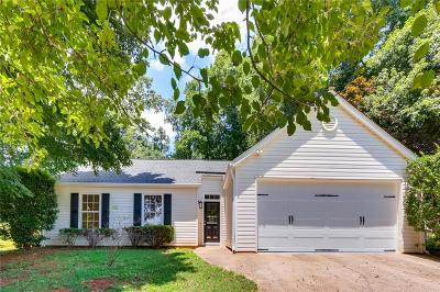 Douglasville Single Family Home For Sale: 3821 Greenbrook Drive