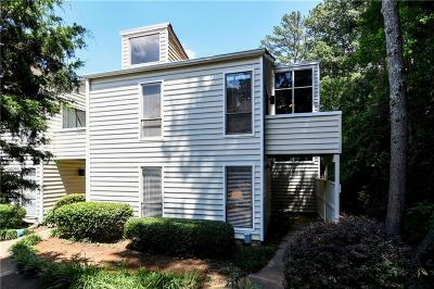 Marietta Condo/Townhouse For Sale: 702 Serramonte Drive