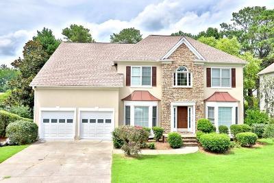 Alpharetta Single Family Home For Sale: 9580 Knollcrest Boulevard