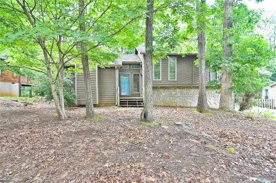 Cobb County Single Family Home For Sale: 619 Green Valley Drive SE