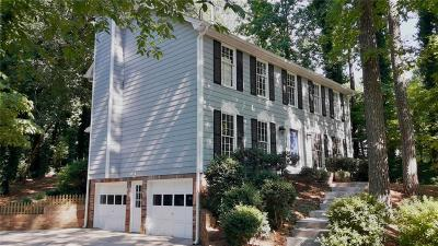 Roswell Single Family Home For Sale: 540 Lakemont Court