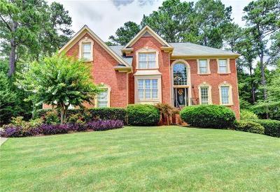 Alpharetta Single Family Home For Sale: 822 Forest Path Lane