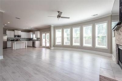 Acworth Single Family Home For Sale: 562 Olympic Way