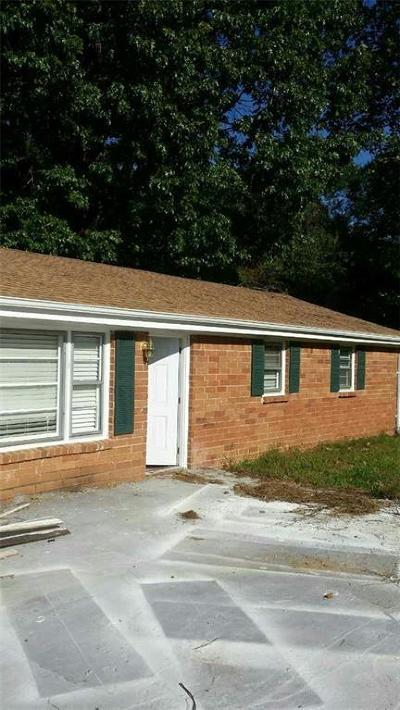 Powder Springs Single Family Home For Sale: 2214 Cleburne Parkway