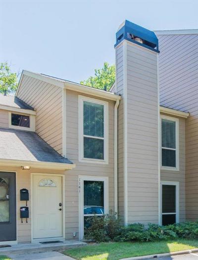 Condo/Townhouse For Sale: 1141 Riverbend Club Drive SE