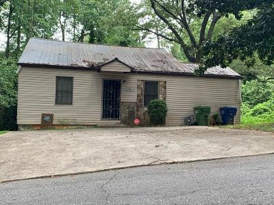 Atlanta Single Family Home For Sale: 1825 Shadydale Avenue SE