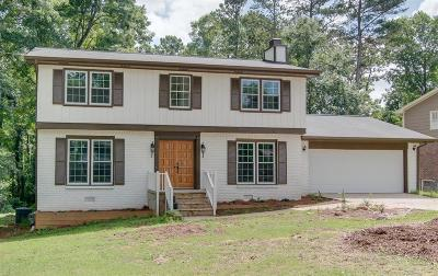 Lilburn Single Family Home For Sale: 516 Angie Way SW