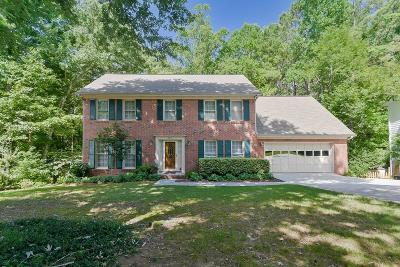 Roswell Single Family Home For Sale: 545 Ridgemont Drive