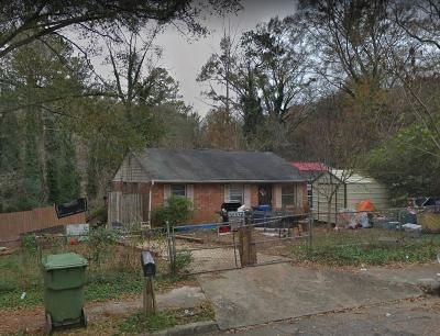 Fulton County Single Family Home For Auction: 2191 Lang Drive SW