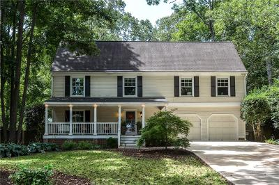 Marietta Single Family Home For Sale: 4860 Riverhill Road NE