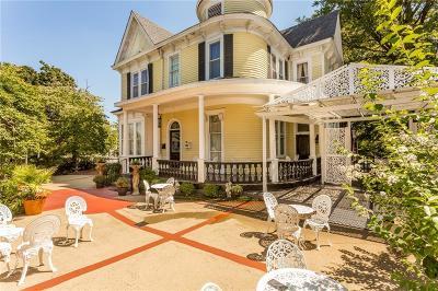 Marietta Single Family Home For Sale: 236 Church Street NE